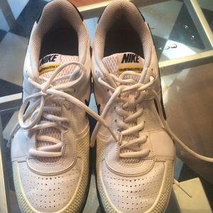 Nike max air tennis shoe NEW